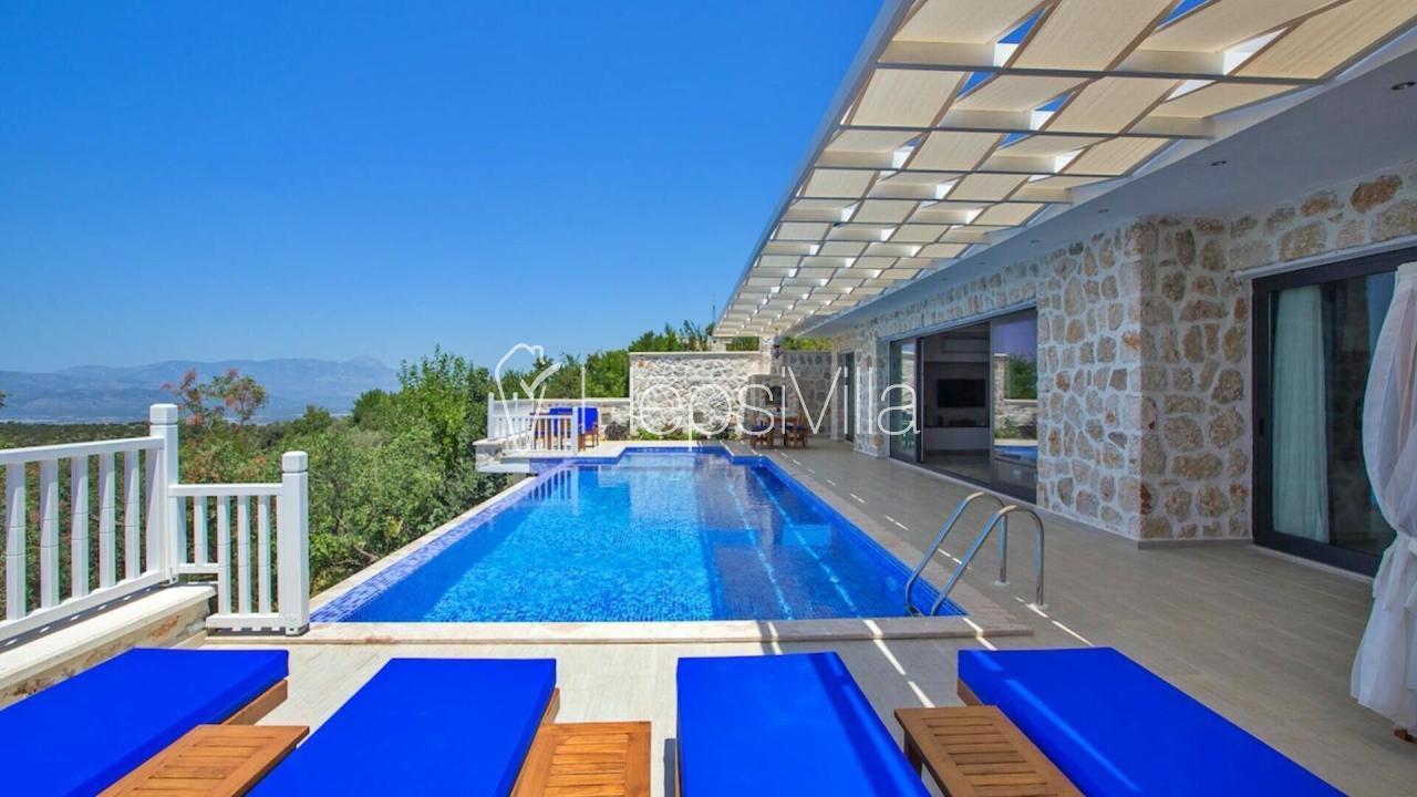 Villa Karmen, Kalkan Üzümlü Köyünde 6 Kişilik Jakuzili Villa - Hepsi Villa
