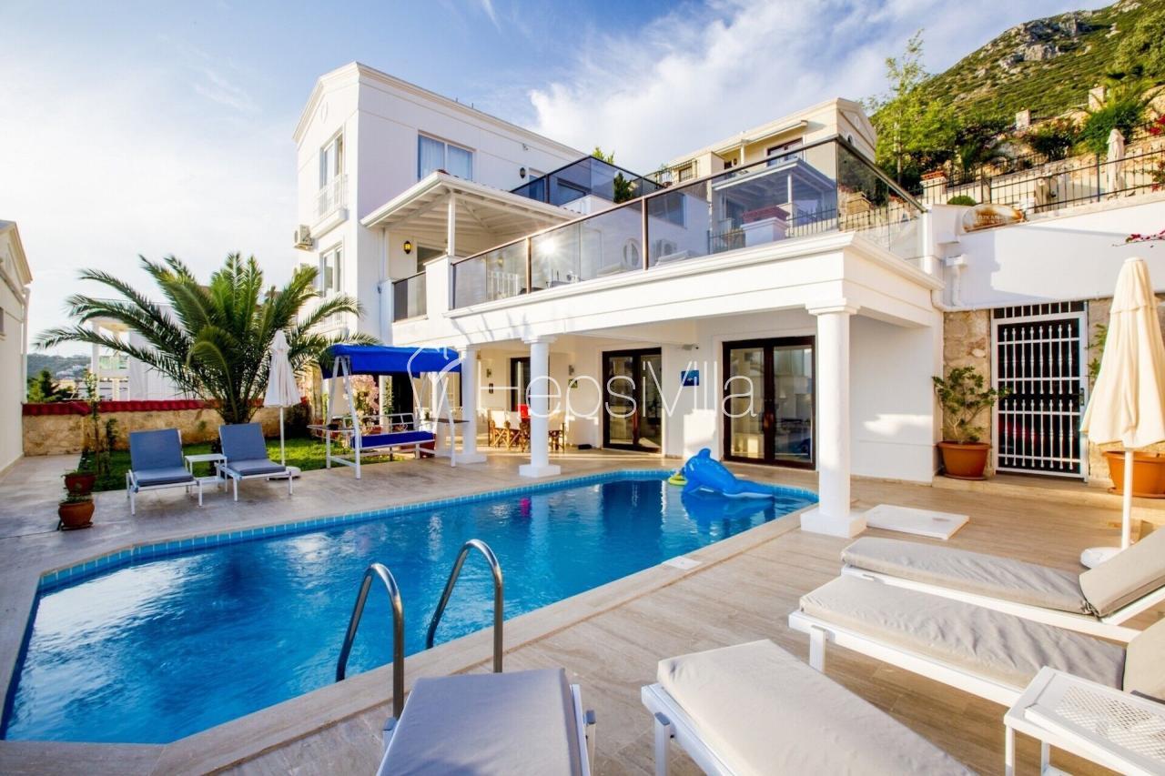 Villa Venüs Duo, Kalkan Kızıltaşta Deniz Manzaralı 6Kişilik Villa - Hepsi Villa
