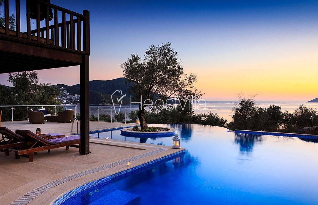 Villa Taş Bahçe, Kalamar 6 Kişilik Deniz Manzaralı Villa - Hepsi Villa