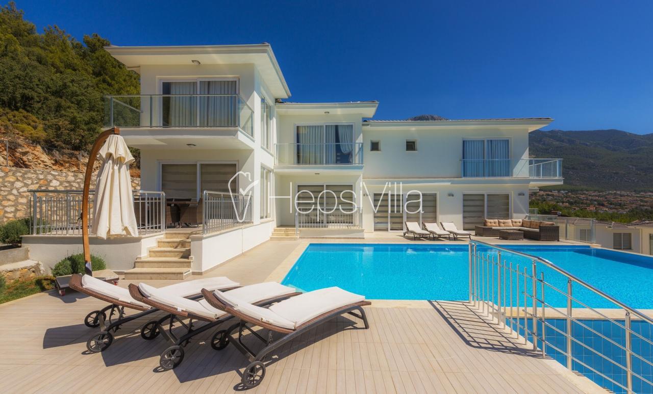 Villa Residens13, Ovacık'ta 6 odalı 12 kişilik villa - Hepsi Villa