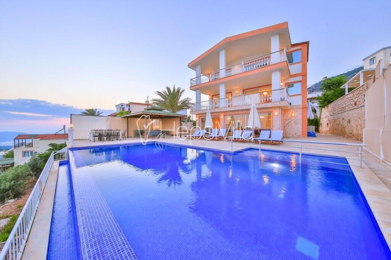 Villa Efes, 12 kişilik, deniz manzaralı villa -Hepsi Villa - Hepsi Villa