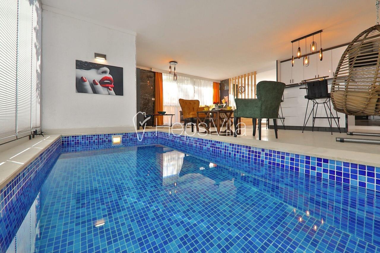 Suit İstiklal,2 kişilik korunaklı kapalı havuzlu, jakuzili stüdyo - Hepsi Villa
