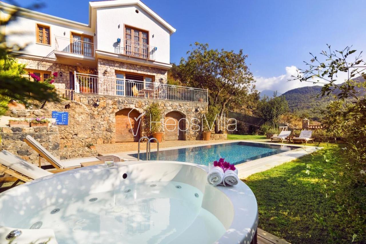 Kayaköyde 3 Yatak Odalı, Özel Havuzlu Kiralık Villa Atlas - Hepsi Villa
