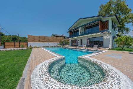 Villa Mandalin
