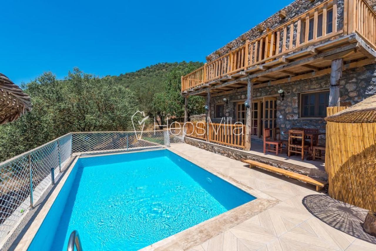 Villa Vadi, Kayaköyde doğa manzaralı 2 yatak odalı villa - Hepsi Villa