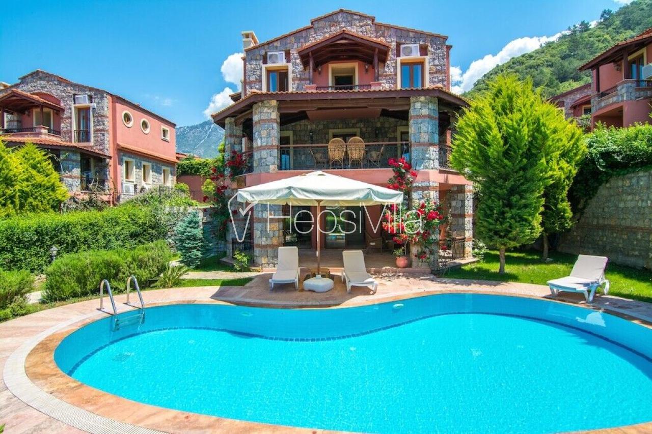 Fethiye Ölüdeniz Ovacık'ta Kiralık Havuzlu Villa Aka - Hepsi Villa
