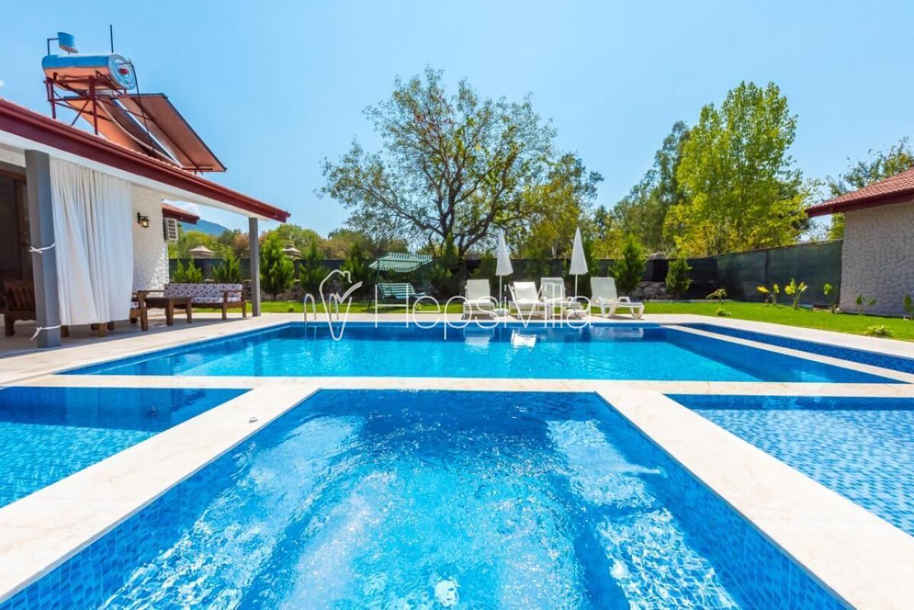 Villa Ihlamur, Kayaköyde harika doğa manzaralı 2 odalı villa - Hepsi Villa