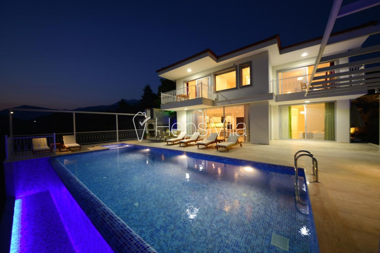 Villa Oscar Duo, Kalkan Üzümlüde 3 Yatak Odalı Kiralık Villa - Hepsi Villa