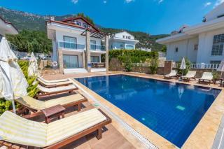 Villa Mithat 3 Ölüdeniz Ovacıkta 5 Yatak Odalı Özel Havuzlu Villa