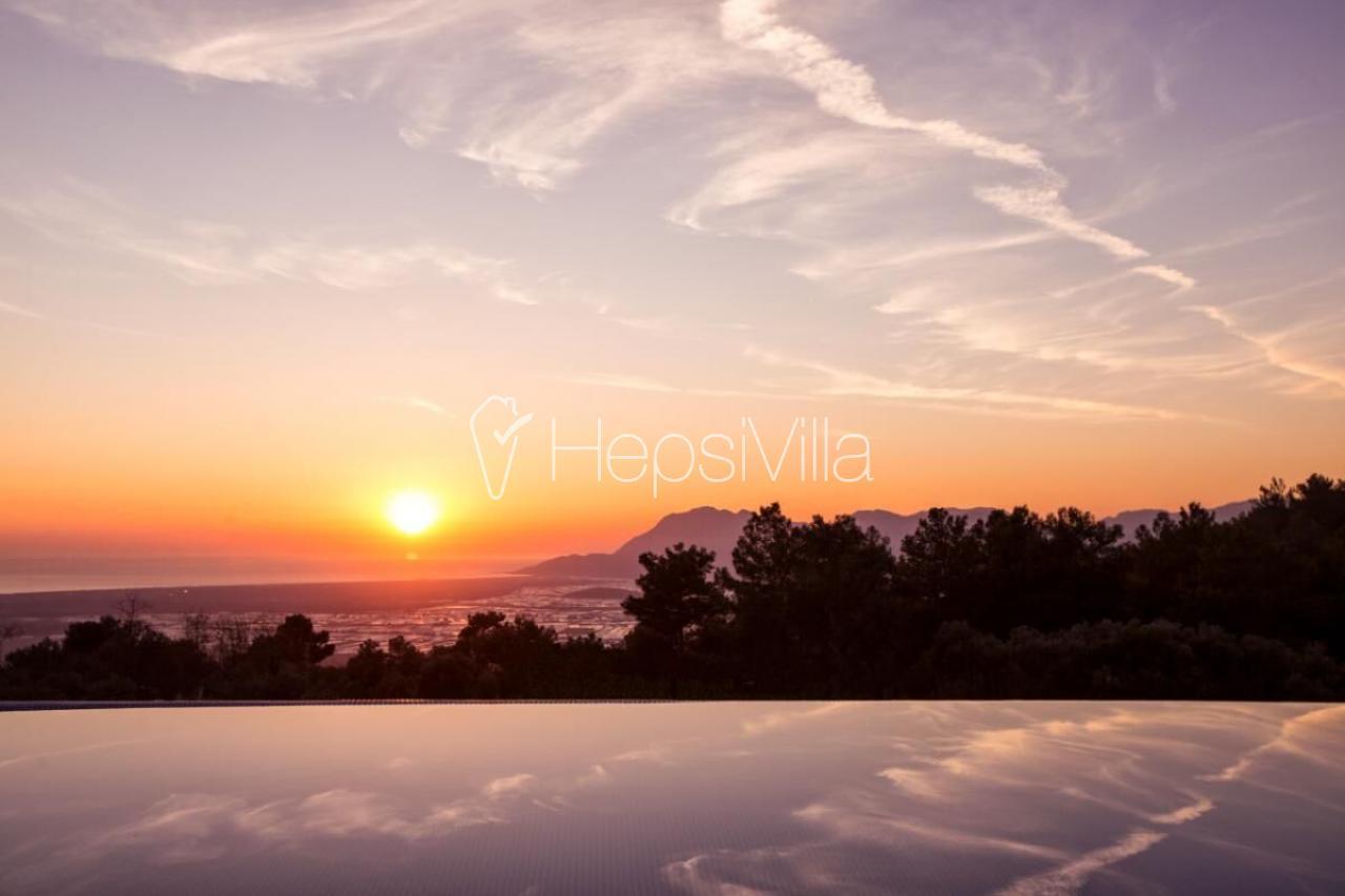 Villa Alvin, Kalkan'da Bulunan 3 Odalı Korunaklı Lüks Villa. - Hepsi Villa