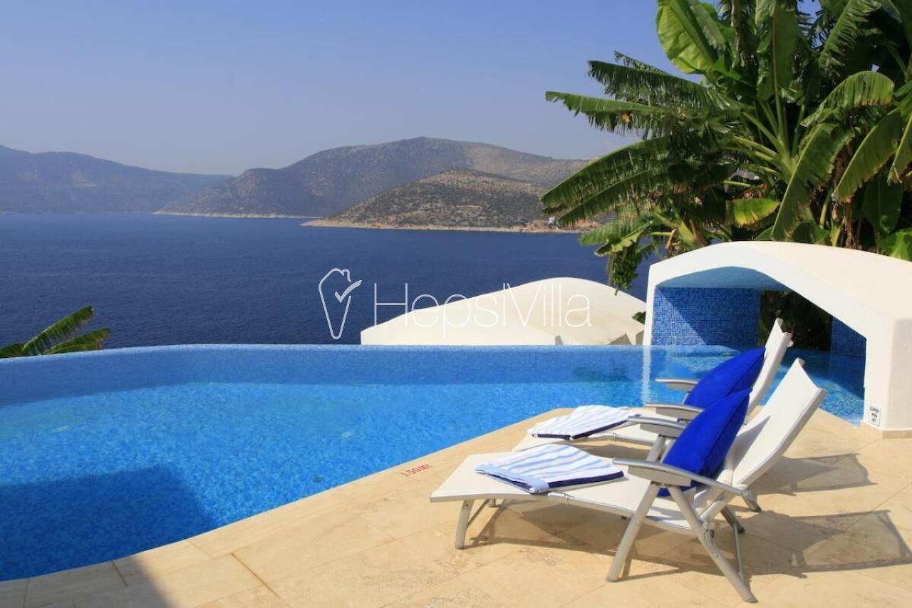 The White Collection - Villa Sea, Kalkan'da Denize Sıfır Villa - Hepsi Villa