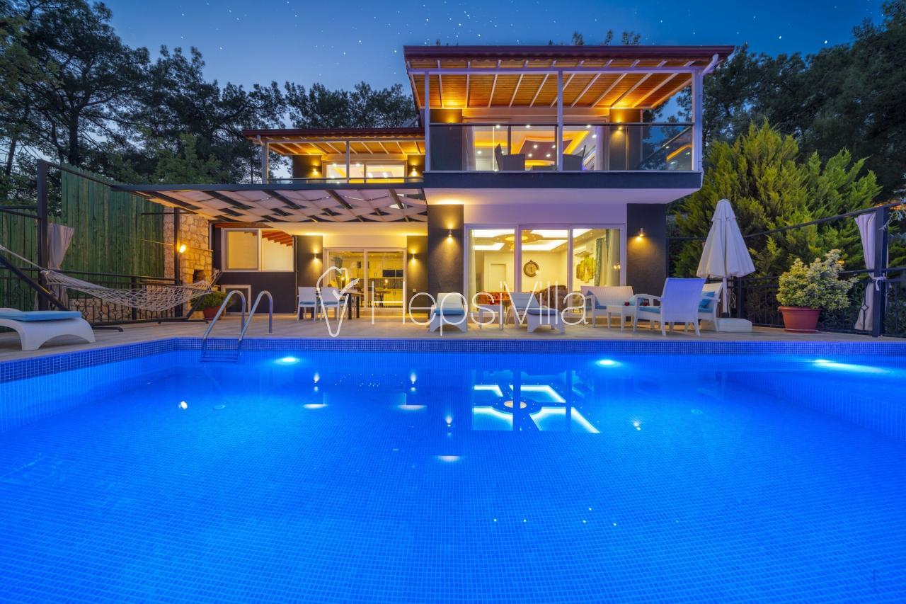 Villa Hatem, 2 Odalı Sığ Havuzlu Jakuzili Tatil Villası. - Hepsi Villa