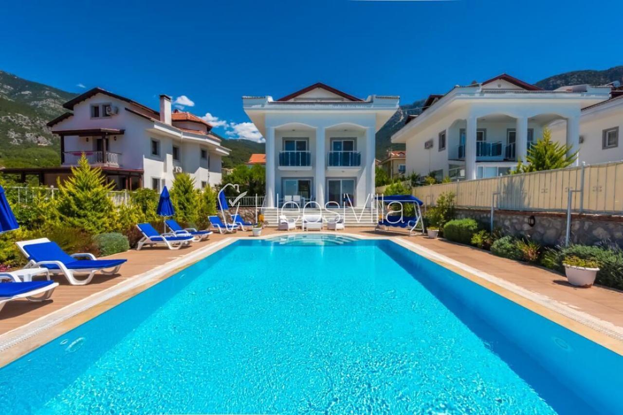 Villa Poyraz, Ovacık'ta Bulunan 4 Yatak Odalı Tatil Villası. - Hepsi Villa