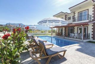 Villa Dolce 4, 6 Odalı 12 Kişilik Havuzlu Dalyan Villası