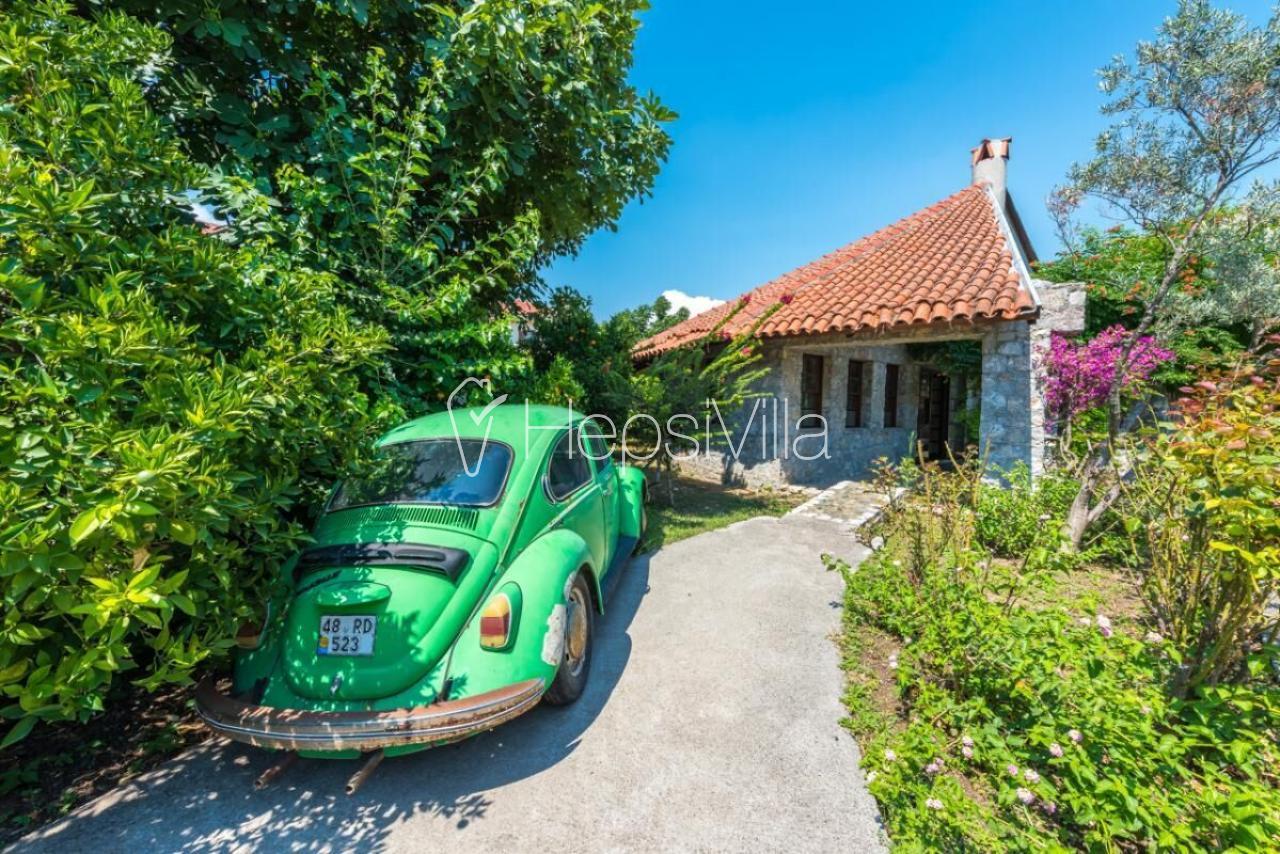 Villa Caretta, Dalya Merkezde 3 odalı kiralık korunaklı villa - Hepsi Villa