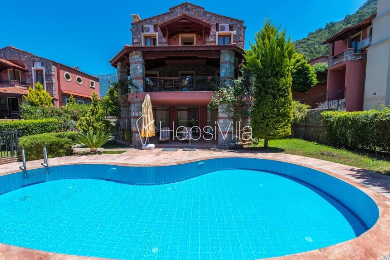 Villa Mina, Ölüdeniz'de 3 Odalı 7 Kişilik Özel Havuzlu Villa. - Hepsi Villa