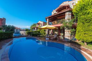 Villa Mina, Ölüdeniz'de 3 Odalı 7 Kişilik Özel Havuzlu Villa.