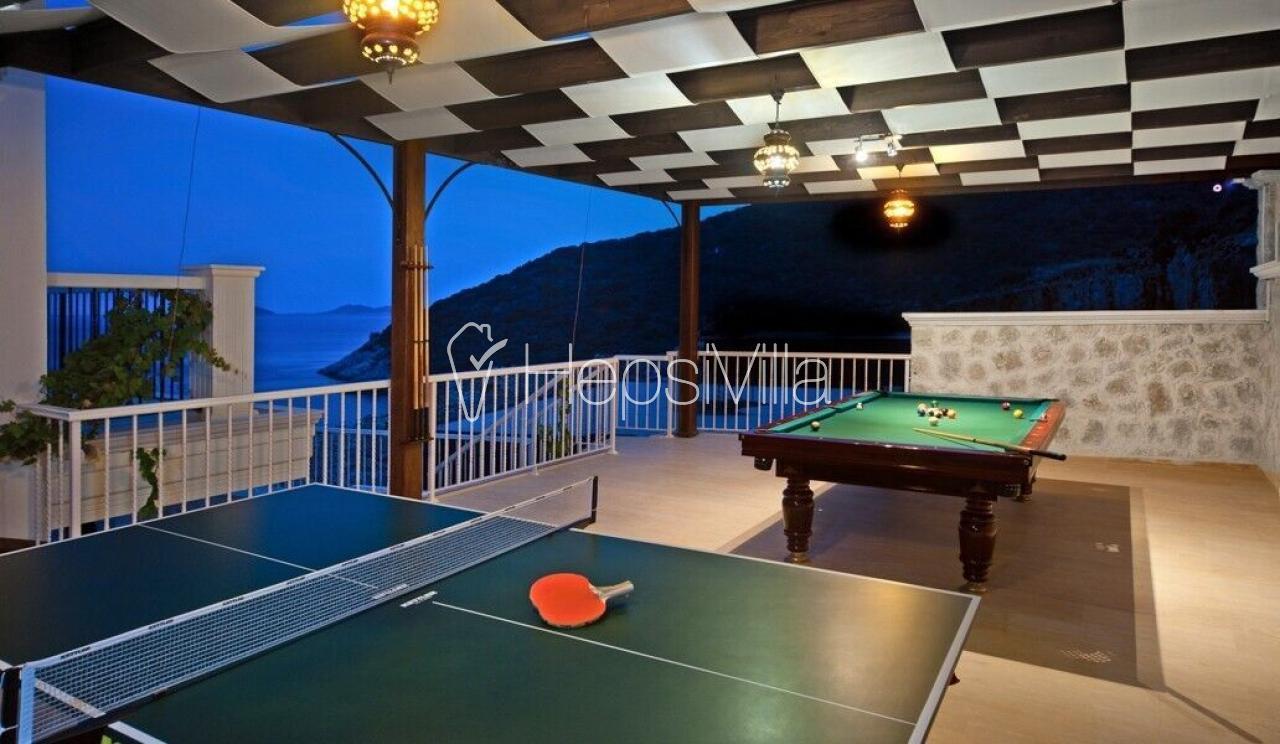 Villa Korsan Güney, Denize Sıfır Özel Plajlı Yazlık Villa - Hepsi Villa