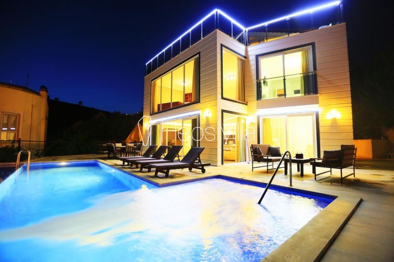 Villa Eros, Kalkan Ortaalan mevkiinde bulunan ultra lüks villa. - Hepsi Villa