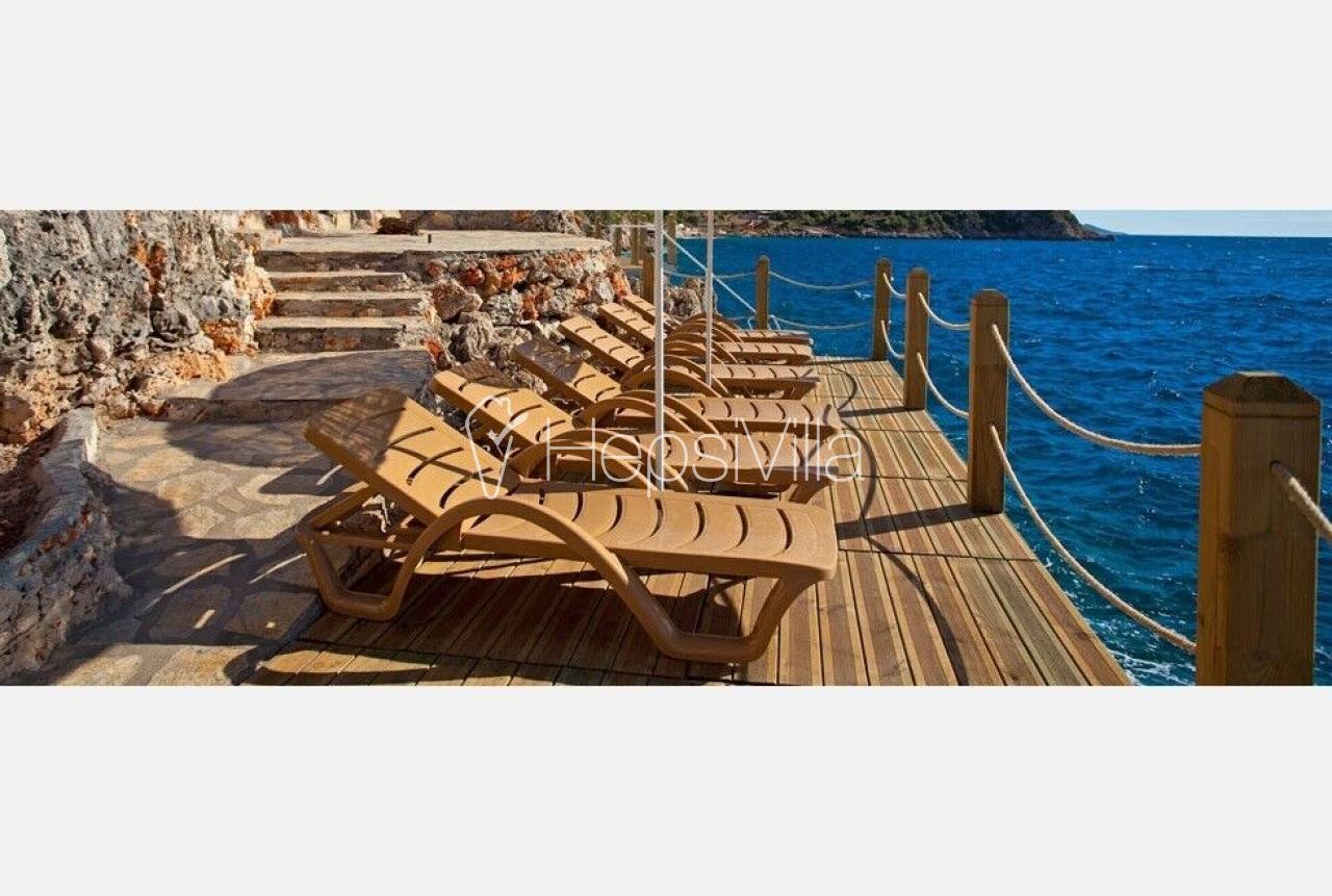 Ayse Evi Denize Sıfır Lüks 3 Odalı Yazlık Özel Villa - Hepsi Villa