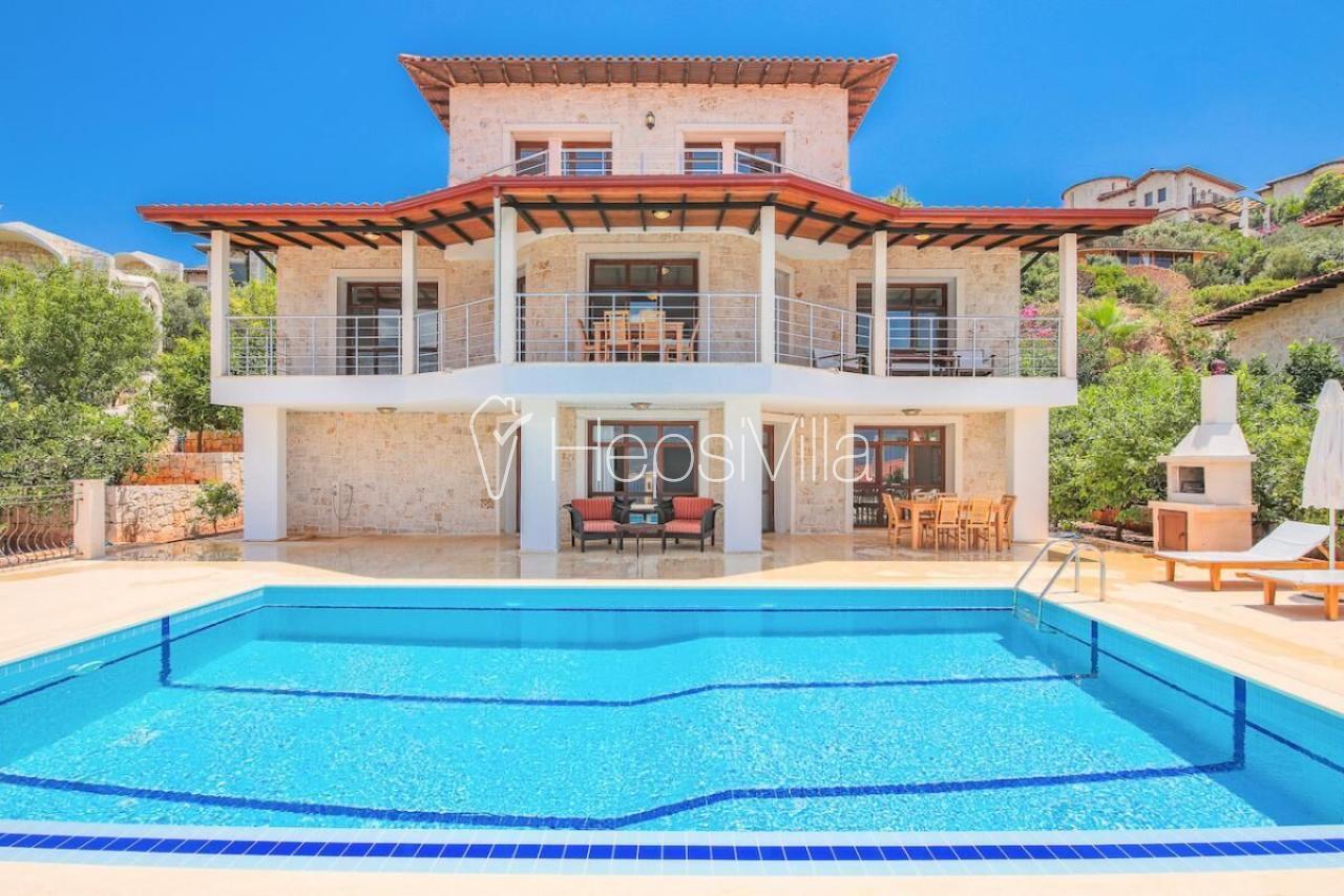 Villa Şahin 2, Kaş'ta Sauna ve Jakuzili Deniz Manzaralı Villa. - Hepsi Villa