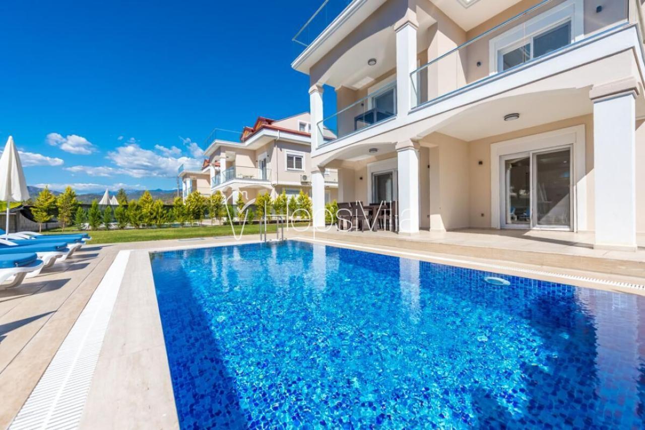 Villa Sahil 3, Kocaçalış'ta 4 Odalı Denize Yakın Havuzlu Villa - Hepsi Villa
