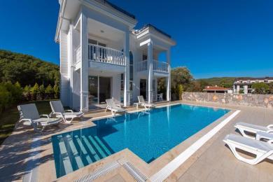 Villa Silver C