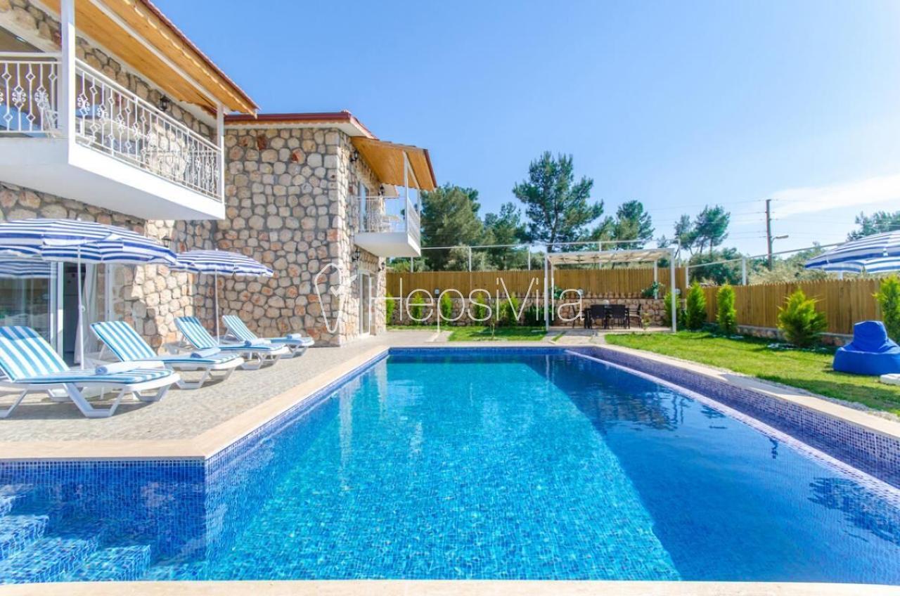 Villa Atılgan, Kalkan Üzümlü'de 3 Odalı Korunaklı Villa. - Hepsi Villa