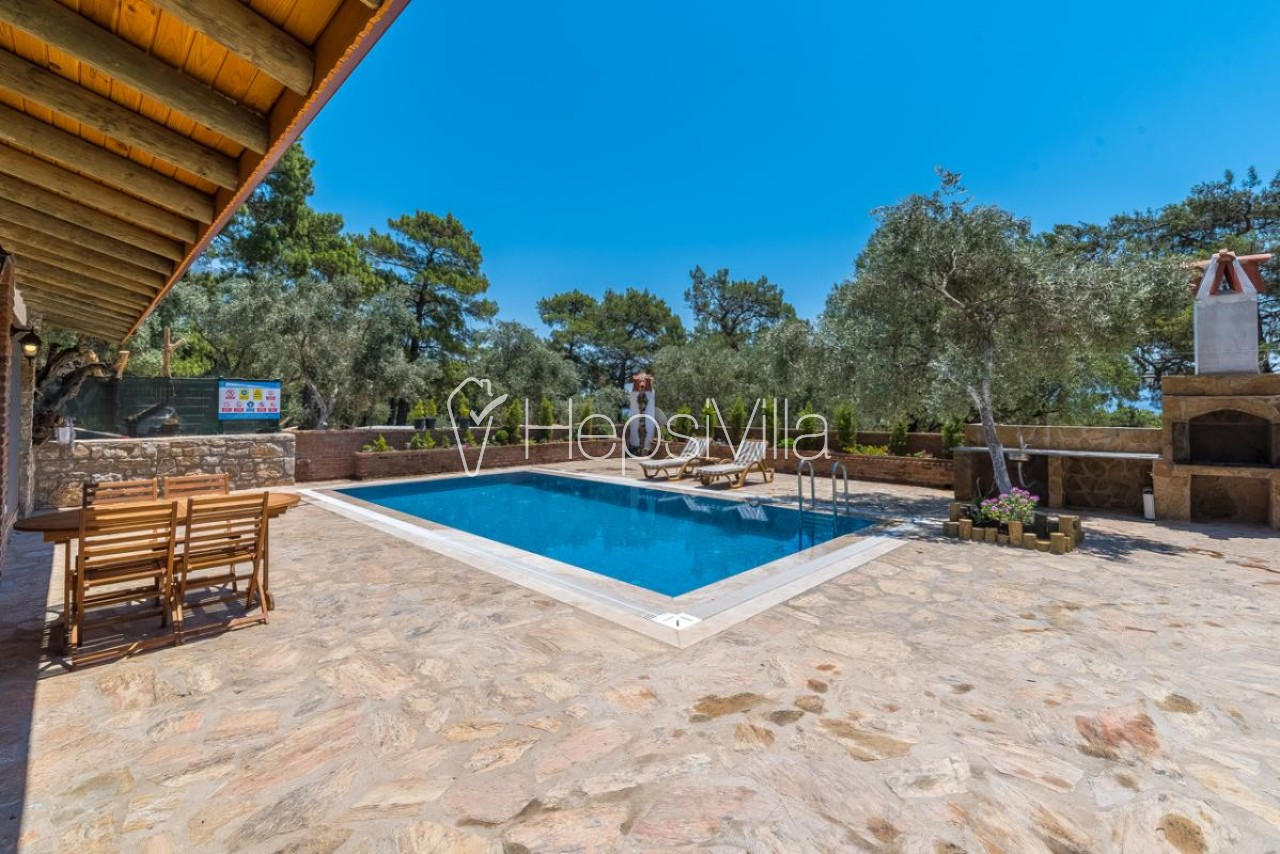 Villa Selvi, Akyaka'da 2 Odalı Havuzu Korunaklı Kiralık Villa. - Hepsi Villa