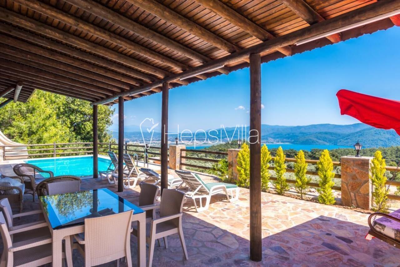 Villa Elexus, Akyaka'da 3 Odalı Korunaklı Havuzlu Kiralık Villa. - Hepsi Villa