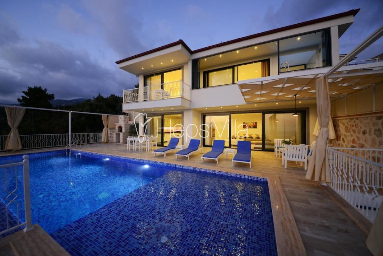 Villa Kaan, Kapalı havuza sahip lüks balayı villasıdır.  - Hepsi Villa